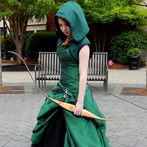 Girl wears an Arrow-inspired dress to prom...